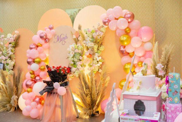 trang trí sinh nhật tông màu hồng